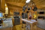 Bear Butte - Fully Equipped Kitchen