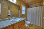 Southern Grace - Attached Shared Bathroom