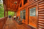Southern Grace - Deck w/ Outdoor Seating