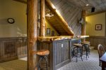 Reel Creek Lodge - Lower Level Wet Bar