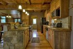 Reel Creek Lodge - Fully Equipped Kitchen