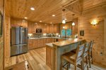 Alpine Ridge - Entry Level Fully Equipped Kitchen and Breakfast Bar
