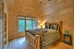 Alpine Ridge - Upper Level Queen Bedroom 1