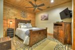 Rustic Elegance - Lower Level Queen Bedroom w/ PS4