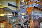 Rustic Elegance - Dining Area and Fully Equipped Kitchen