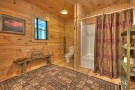 Black Bear Bungalow - Entry Level Full Bathroom