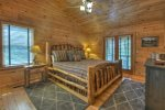 Black Bear Bungalow - Upper Level King Master Suite