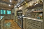 A Stoney River - Entry Level Fully Equipped Kitchen