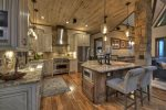 Martini Mountain Chalet - Entry Level Chefs Kitchen with Gas Stove