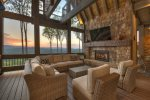 Martini Mountain Chalet - Entry Level King Master Suite