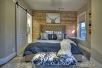 Martini Mountain Downtown - King Master Suite