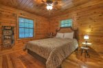 Timmers Treehouse - Queen Bedroom