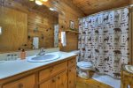 Timmers Treehouse - Full Bathroom