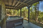 Ridgetop Pointaview - Lower Level Hot Tub