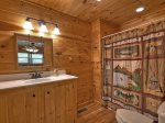 Blue Ridge Hideaway - Entry Level Private Bathroom