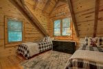 Dawg Paddle - Upper Level Twin Bedroom