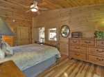 Bearly Roughing It - Upper Level Master Queen Bedroom