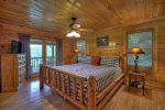 Laurel Ridge - Upper Level Master King Bedroom