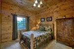 Laurel Ridge - Lower Level Queen Bedroom