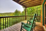 Laurel Ridge - Deck w/ Outdoor Seating