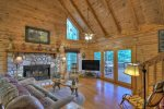 Bear Paw - Upper Level Queen Master Suite