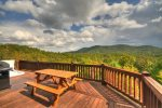 Papa Bear`s Den - Deck w. Long Range Mountain View