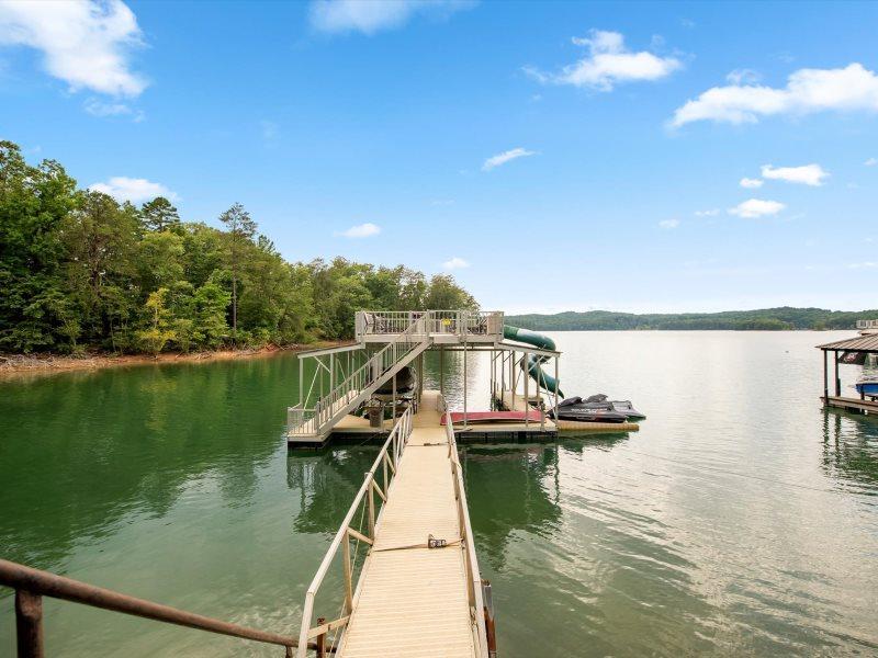 Medley Sunset Cove - Vacation Rental on Lake Blue Ridge
