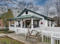 High Country Cottage - Downtown Blue Ridge