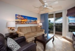 Maui Banyan Q407 2-Bedroom | Remodeled Top Floor Unit with Lots of Extras!