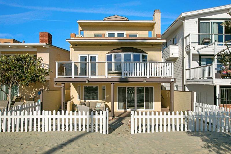 Beachfront Oasis 2 | Mission Beach Vacation Rental