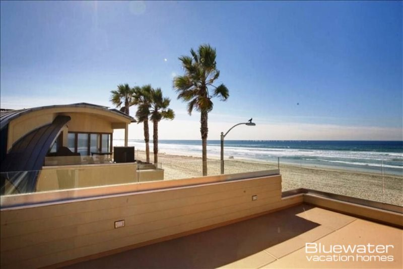 Merveilleux Brand New 4 Bedroom, 3 Bath Beach Front Gem In The Heart Of North Mission  Beach. Dramatic Sliding Doors On The 2nd Floor Living Area Give You  Panoramic ...
