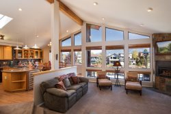 Luxury Waterfront Ski home with Panoramic views of Mt. Tallac