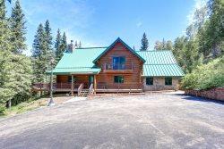Bear Butte Gulch Lodge - beautiful log cabin in private location!