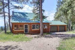 Wonderlust Cabin - New listing with private hot tub!