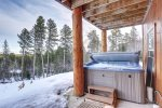 Arrow Lodge- Under deck Hot tub.