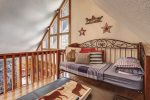 Alpine Retreat - Loft with a day bed.