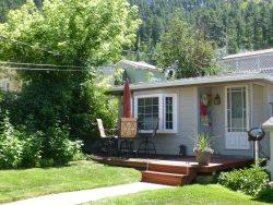 Backyard Cottage B&B