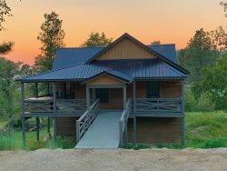 High Ridge Trail Lodge - Fall Special of $195!!