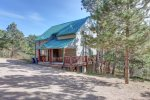 Cabin Fever  bath with tub/shower combo.