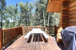 Deer Haven Lodge with back deck hot tub.