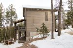 Gray Goose Lodge side view.