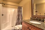 Gray Goose Lodge bath with walkin shower.
