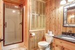 Eagle`s Lair bath with walking shower.