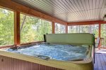 6-7 man hot tub with covered deck