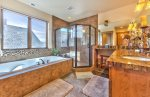 Utah Lodging / TR 123 / Upper Level / Ensuite Bath