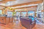 Utah Lodigng / Fairways 2 / Living Area