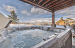 Utah Lodging / Ski Lake Lodge / Private Hot Tub
