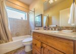 Utah Lodging / TR 89 / Main Level / Bathroom