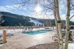 Pool - Red Hawk Lodge - Gondola Resorts