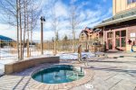 Outdoor Hot Tubs - Red Hawk Lodge - Gondola Resorts